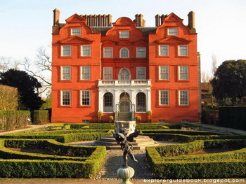 Kew Palace and Queen's Gardens