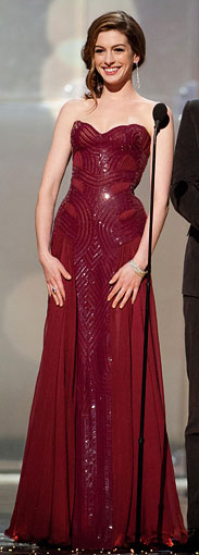 nne-Hathaway-Oscar-dress