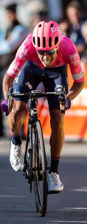 Daniel Felipe Martínez por su consagración en la Vuelta a España