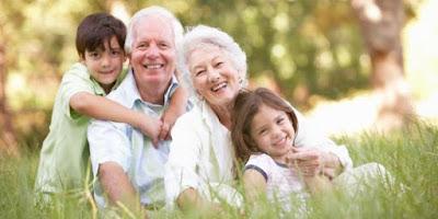6 Momen Kasih Sayang Kakek Dan Nenek Yang Buat Kamu Merindukannya