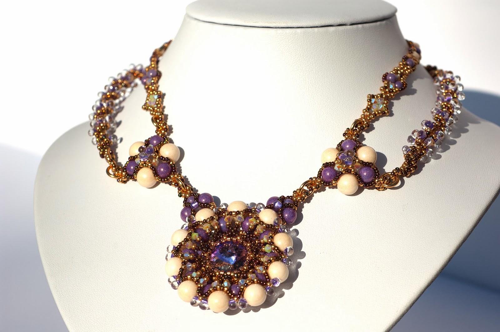Beaded necklace Rebecca