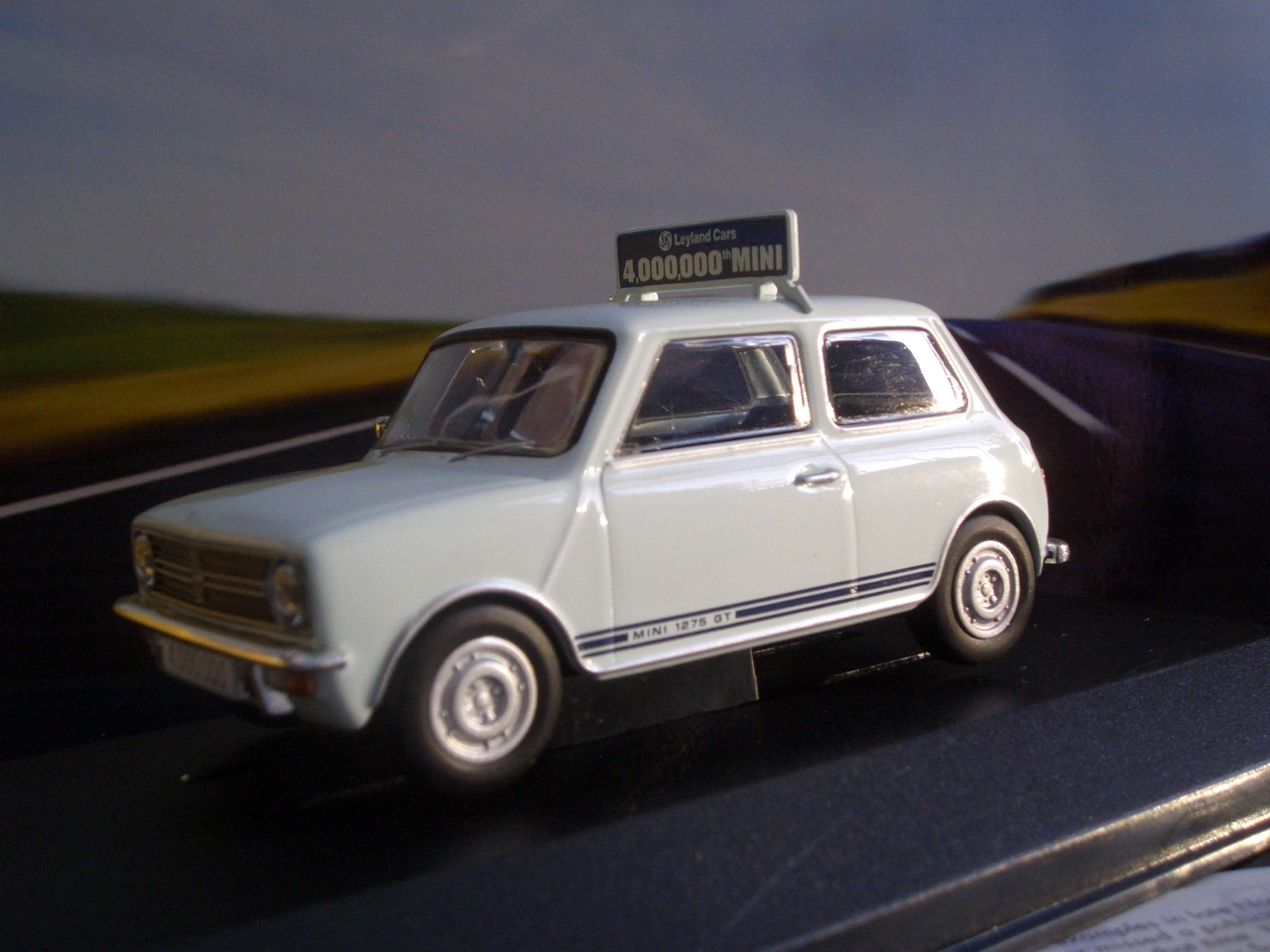 Diecast Madness UK: VANGUARDS - A great addition to the vanguards ...