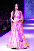 Kriti Sanon Latest Pictures at IIJW 2015-thumbnail-4