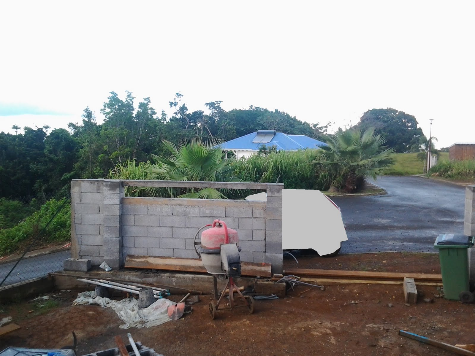 Construction en guadeloupe suite b ton - Construction mur mitoyen sans accord voisin ...