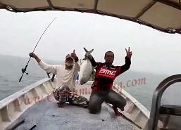 Gila Mancing Dapat Ikan Kuwe  GT  Kongkoi