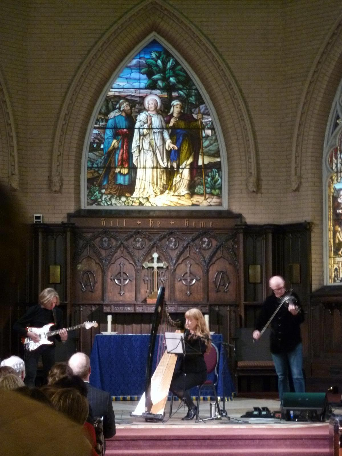 Loreena Mckennitt the church ile ilgili görsel sonucu