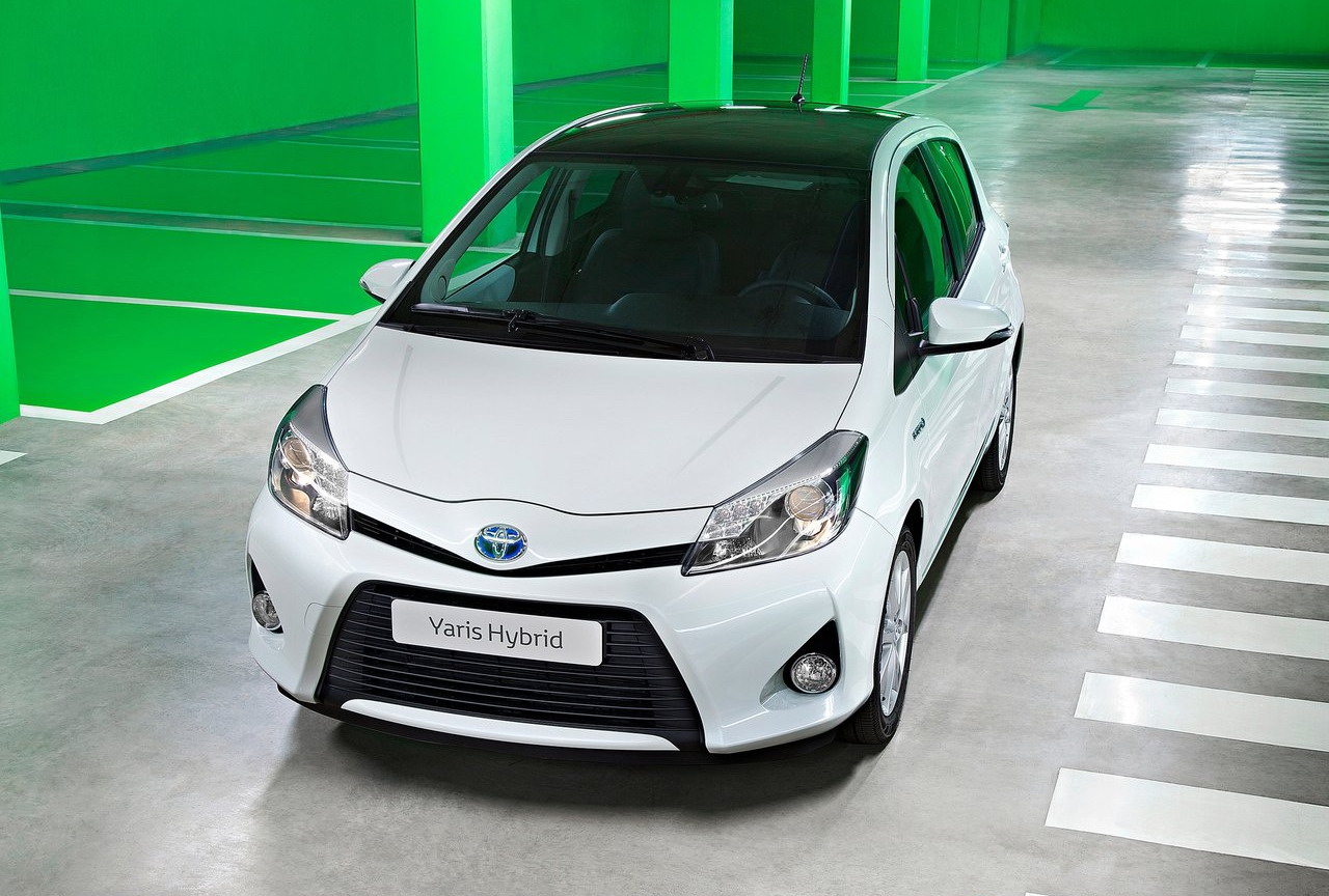 2013 toyota yaris hybrid cars specs. Black Bedroom Furniture Sets. Home Design Ideas