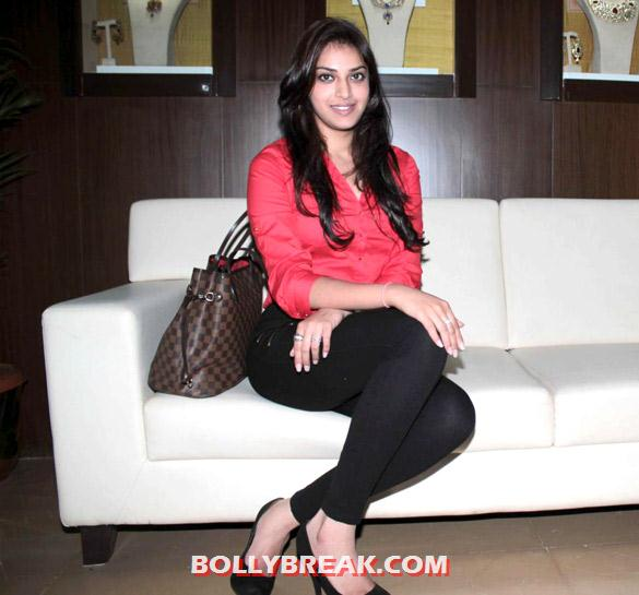 Anushka Ranjan - Anushka Ranjan at Gitanjali Group supports Beti... A Movement