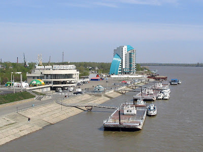 http://3.bp.blogspot.com/-o6fxgDMjS3E/TWZuiaGGbcI/AAAAAAAAAA8/B-aW_etOE2w/s1600/longest-river-in-the-world-Ob-Irtysh-River.jpg