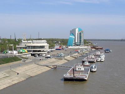 http://3.bp.blogspot.com/-o6fxgDMjS3E/TWZuiaGGbcI/AAAAAAAAAA8/B-aW_etOE2w/s1600/longest-river-in-the-world-Ob-Irtysh-River.jpg