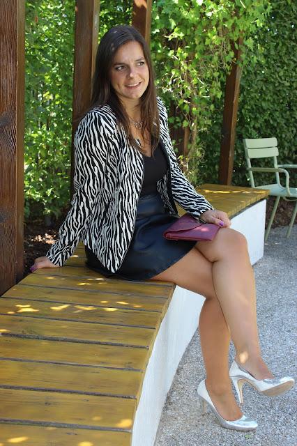 robe bi matière naf naf, veste zebrée Naf Naf, pochette prune