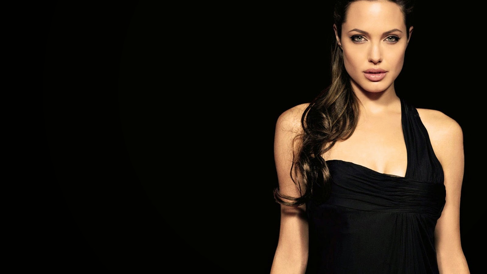 Hollywood Actress Angelina Jolie in black bikini Wallpaper