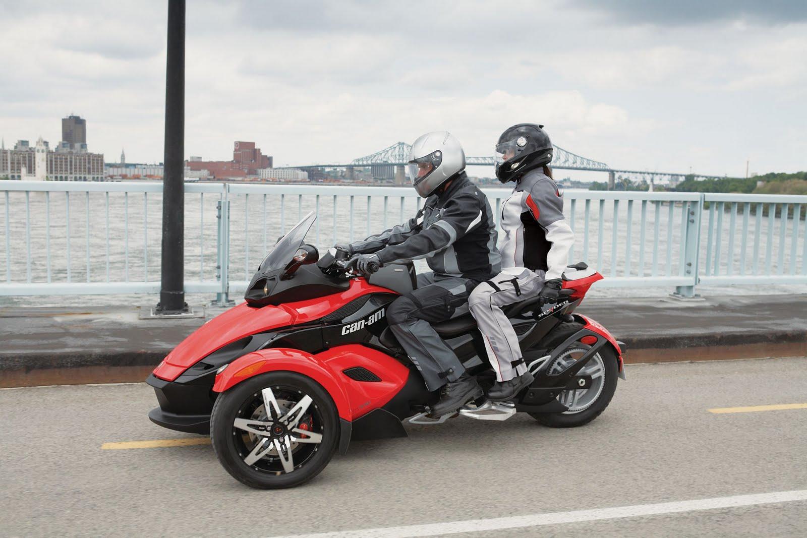 http://3.bp.blogspot.com/-o6wGrcDl9WY/TaAuwrgFJDI/AAAAAAAAASU/O3M2QktDR7E/s1600/Can-Am+Spyder+Roadster+SM5+2009+%2528Sequential+Manual+five-speed%2529+photo.jpg