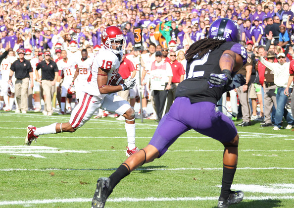 Jalen Saunders #18 of the Oklahoma Sooners runs for a touchdown against Jason Verrett #2 of the TCU Horned Frogs at Amon G. Carter Stadium on December 1, 2012 in Fort Worth, Texas. (November 30, 2012 - Source: R. Yeatts/Getty Images North America)