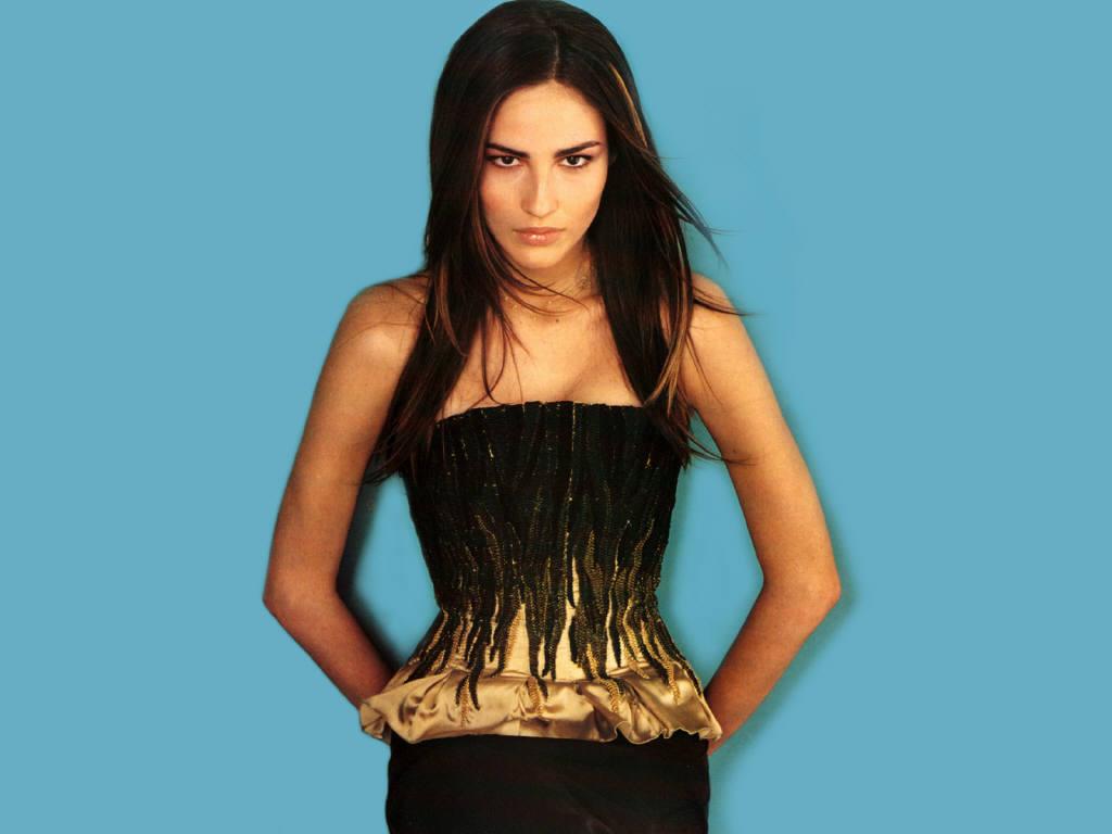 http://3.bp.blogspot.com/-o74FzoPoAls/T1ENERmiY8I/AAAAAAAACB0/1kUuxDsB-24/s1600/Fernanda+Tavares+10.jpg