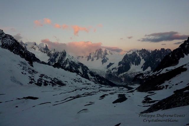 Lever du jour sur le bassin de Talèfre, Mont-Blanc, France