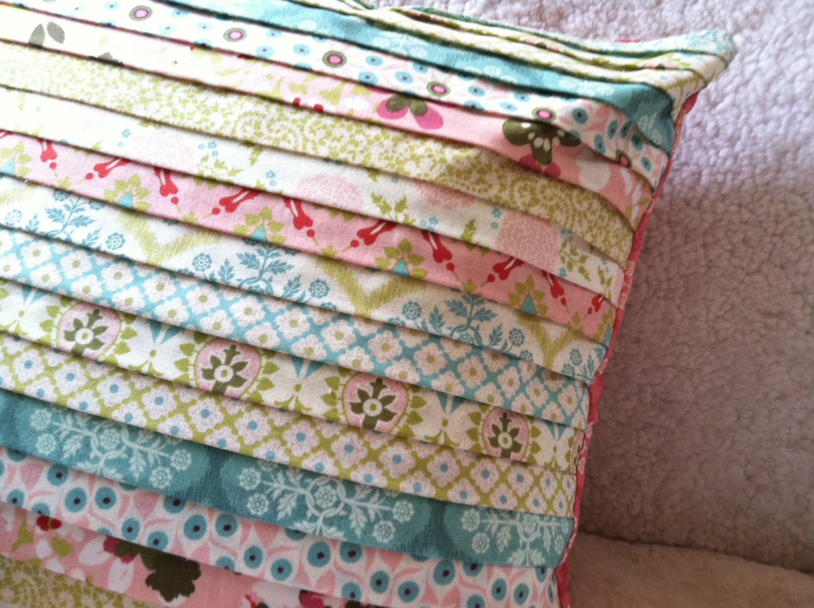 Hello Spring! Strippy Pillow Tutorial Quilting in the Rain