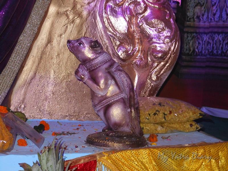 Mouse with the modak, Ganesh Pandal Hopping, Mumbai
