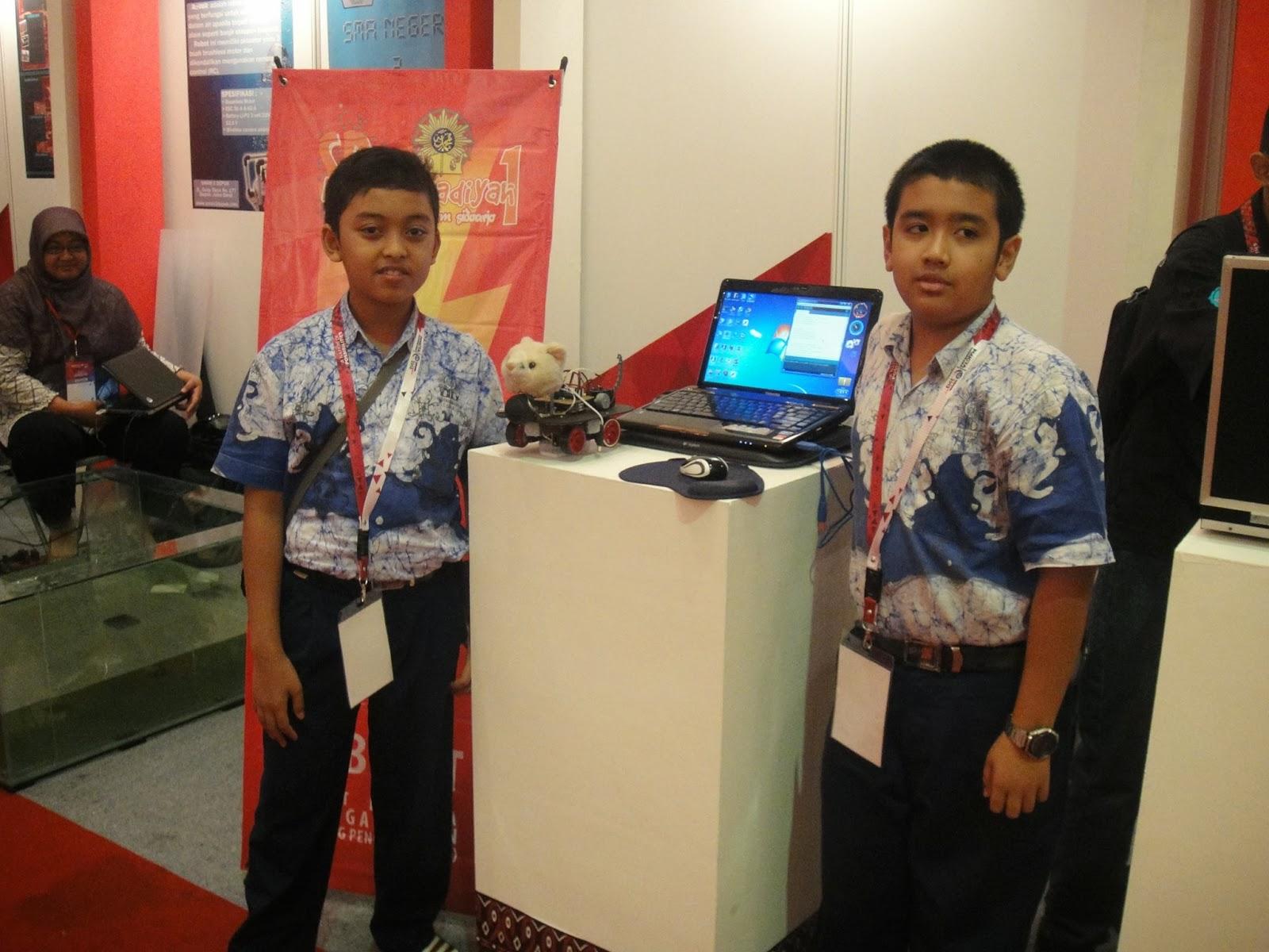 Experience Of Akise Muhida On Indonesia ICT Award 2013 Dengan Robocat