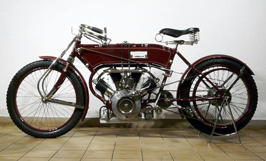 1909 Torpedo V4 Replica 1909 Torpedo V4.Pavel created this bike from scratch. The finished bike is a beauty, especially the engine, which, though called a V4, is more like a partial radial. The 1600cc mill is actually two conjoined V-Twins from Trojan & Nagl,
