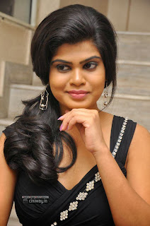 Actress-Alekhya-Stills-at-Anandam-Malli-Modalaindi-Audio-Launch