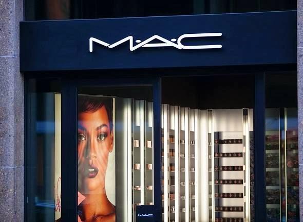 6914e108a0c M.A.C  grife de maquiagens vai apostar em e-commerce e novas lojas para  crescer no Brasil