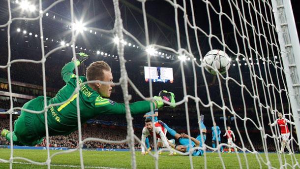 Marc-André Ter Stegen se lució en el Emirates contra el Arsenal