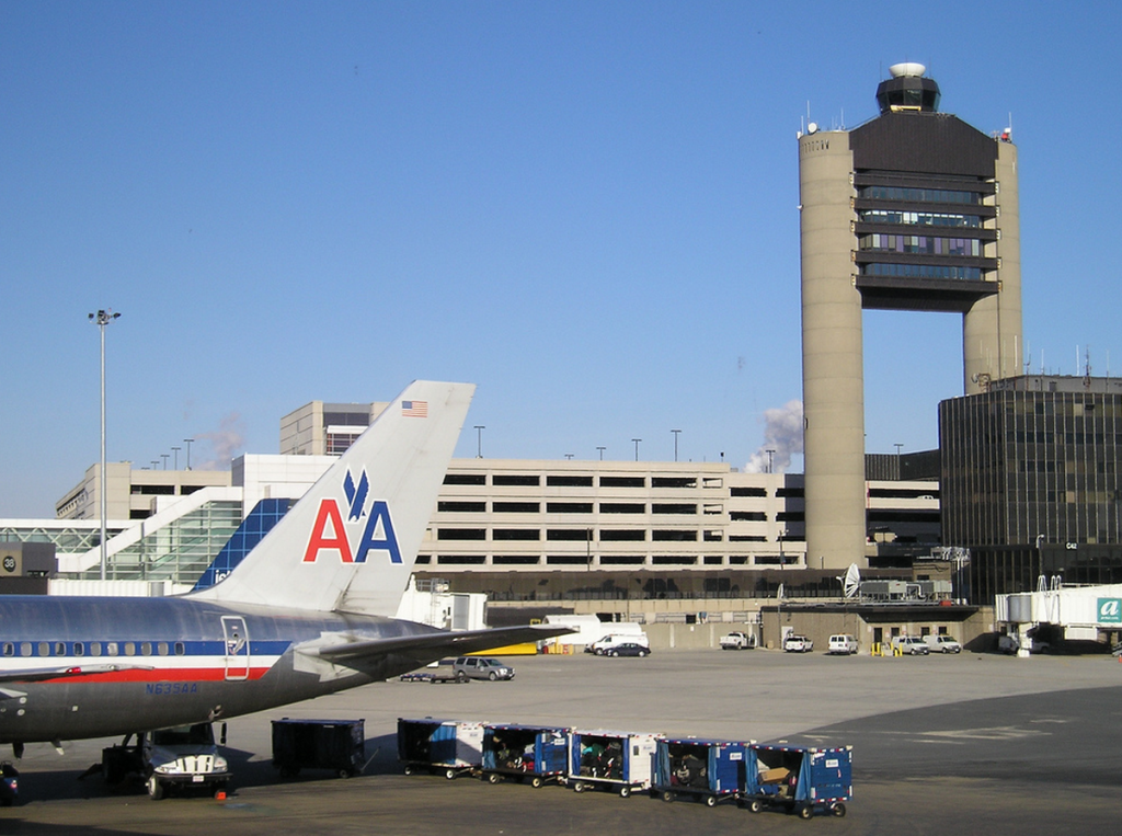 logan airport Find the cheapest boston airport shuttle services and logan airport car service providers compare airport transportation prices at shuttlewizardcom.