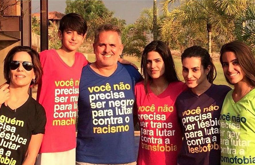 Glória Pires posta foto com a família contra a LGBTfobia em Dia da Independência do Brasil