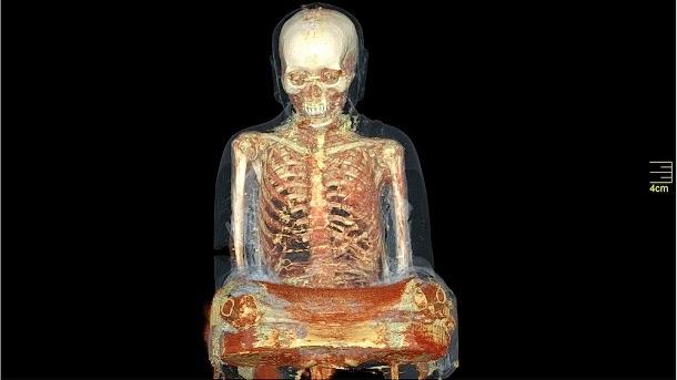 Múmia encontrada escondida dentro de antiga estátua de Buda