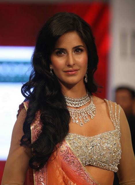 Katrina walks the ramp for Nakshatra Show Pics