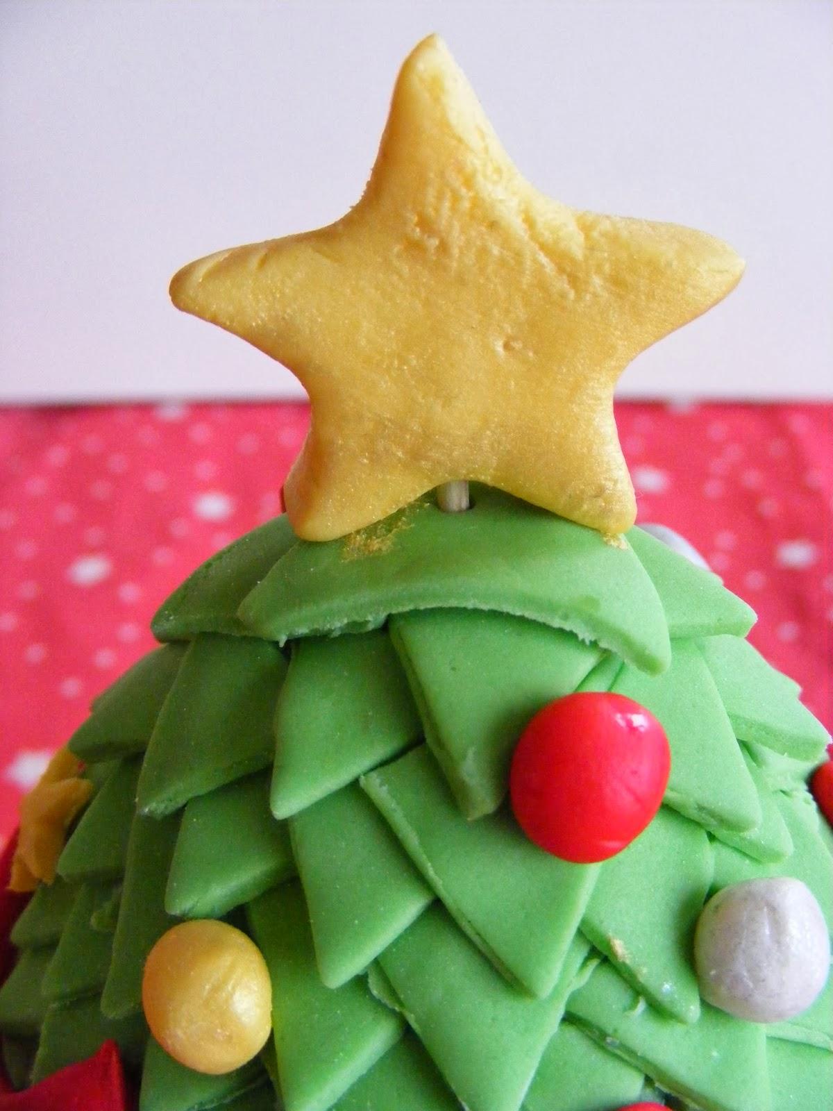 Love ju kerstboom taart for Eetbaar goud
