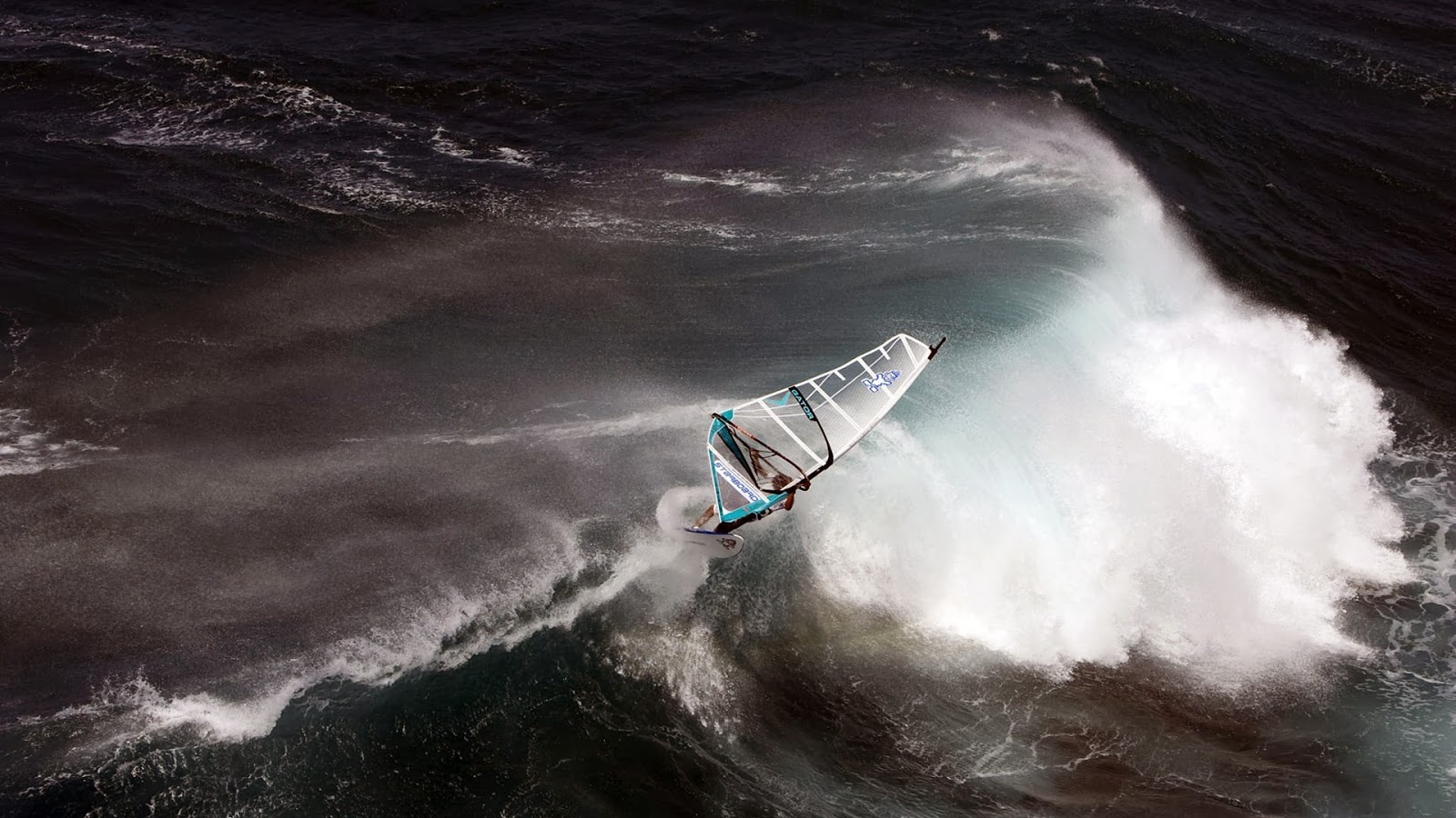 Windsurf en olas grandes
