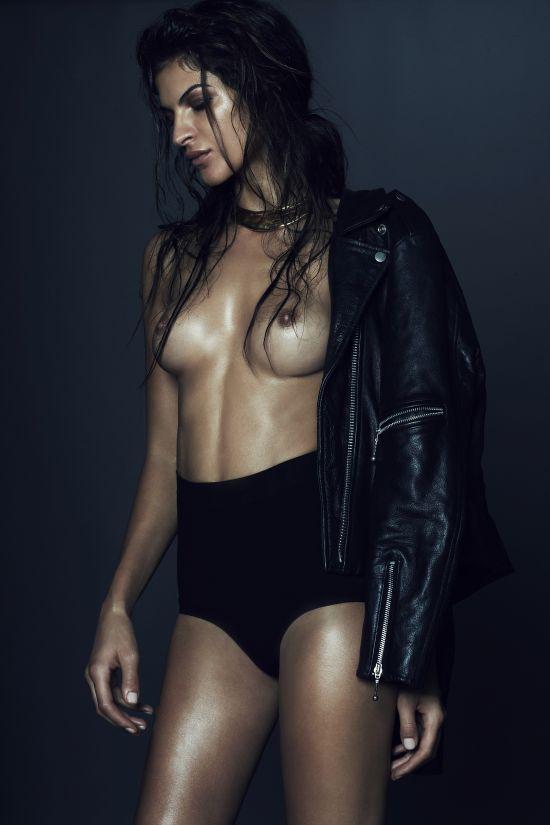 modelo Yaya Kosikova fotografia Ezra Patchett ensaio sensual provocante sexy seminua
