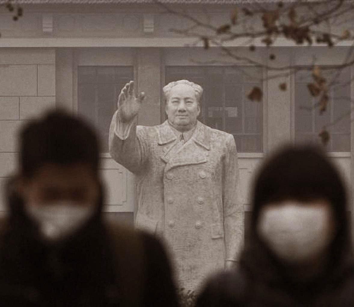 """O """"grande irmão"""" Mao Tsé Tung paira sobre dezenas de milhões de intoxicados chineses. O meio-ambiente? Ora o meio-ambiente!"""