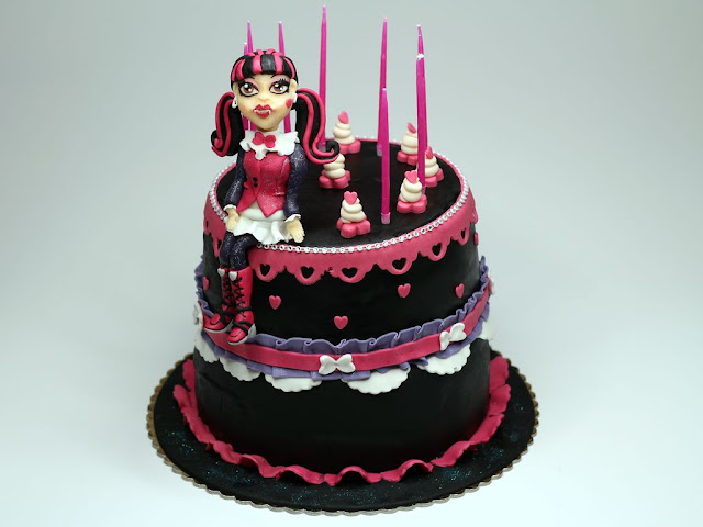 Monster High Draculaura Birthday Cake London