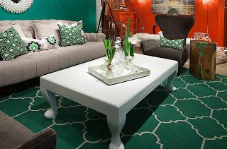 ruang+tamu+dengan+warna+merah+dan+hijau Kombinasi Warna Interior Untuk Rumah Modern
