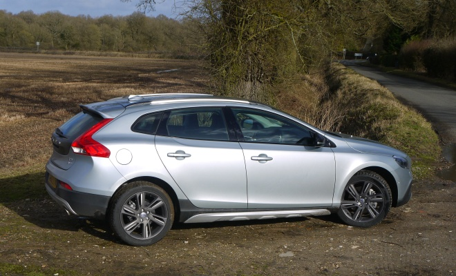 Volvo V40 Cross Country T5 side view