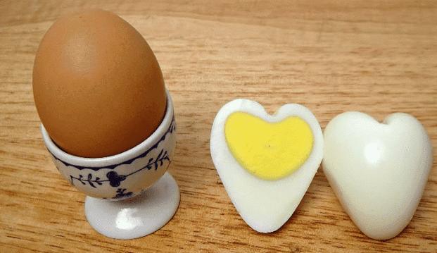 Kalp Şeklinde Yumurta Sürprizi