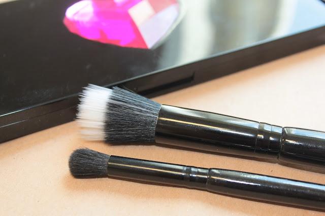 Pro E103 Eyeshadow Blending Brush