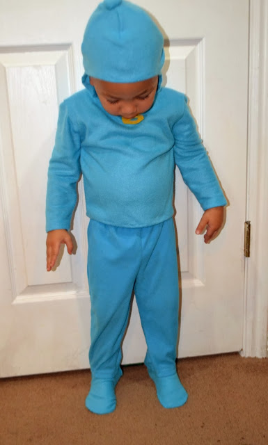 DIY no-sew Pocoyo Halloween Costume