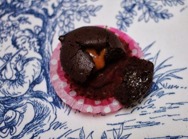Mini muffins de chocolate intenso y toffee - El dulce mundo de Nerea