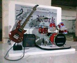 Palco com Guitarra e Bateria
