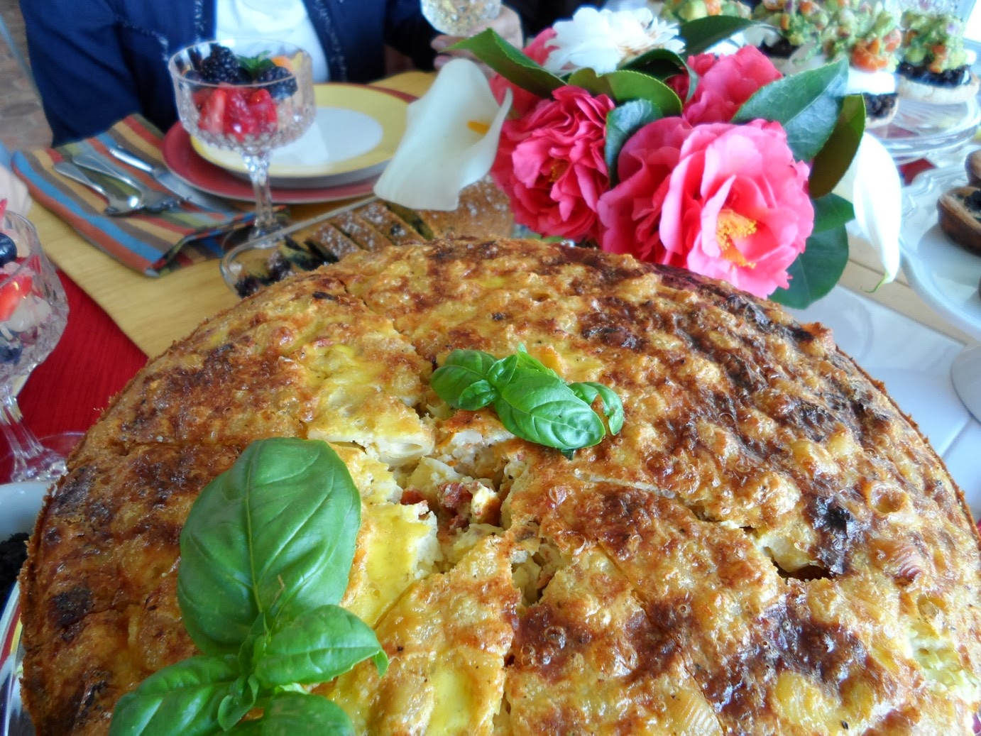 Savorychicks: Zucchini and Sun-Dried Tomato Frittata