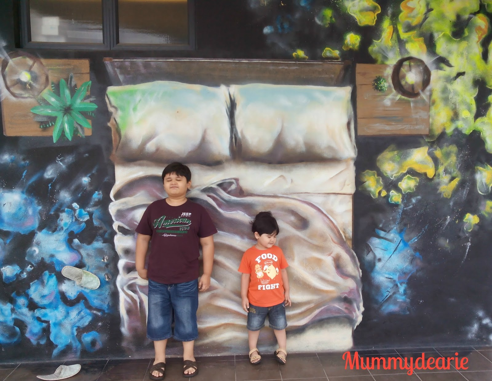 My little amazing world the atmosphere for Mural yang cantik