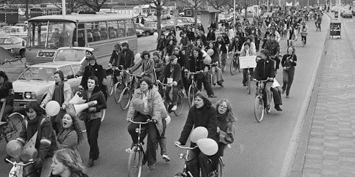 Πρώτες ποδηλατοπορίες στην Ολλανδία το '70