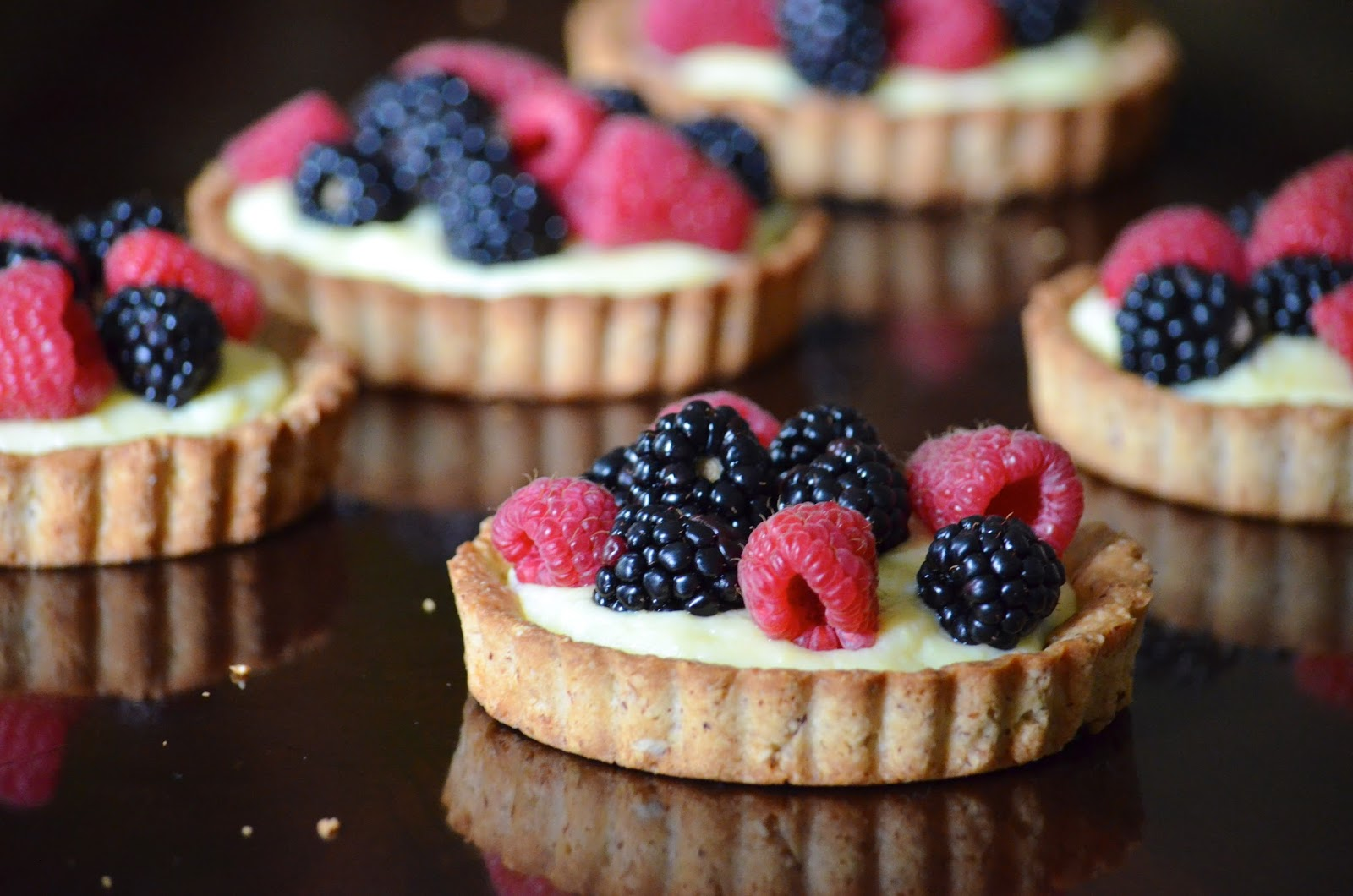 Obsessive Cooking : La Madeleine Fruit Tart // Almond Tart Crust