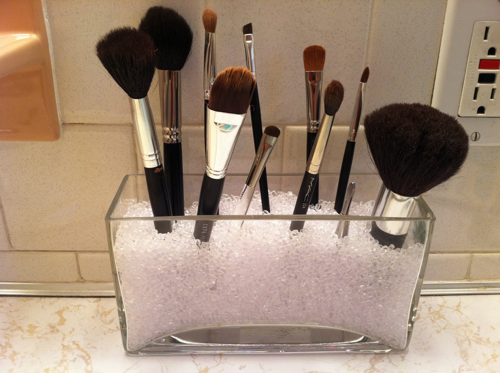brush holder beads. make up brush idea holder beads c