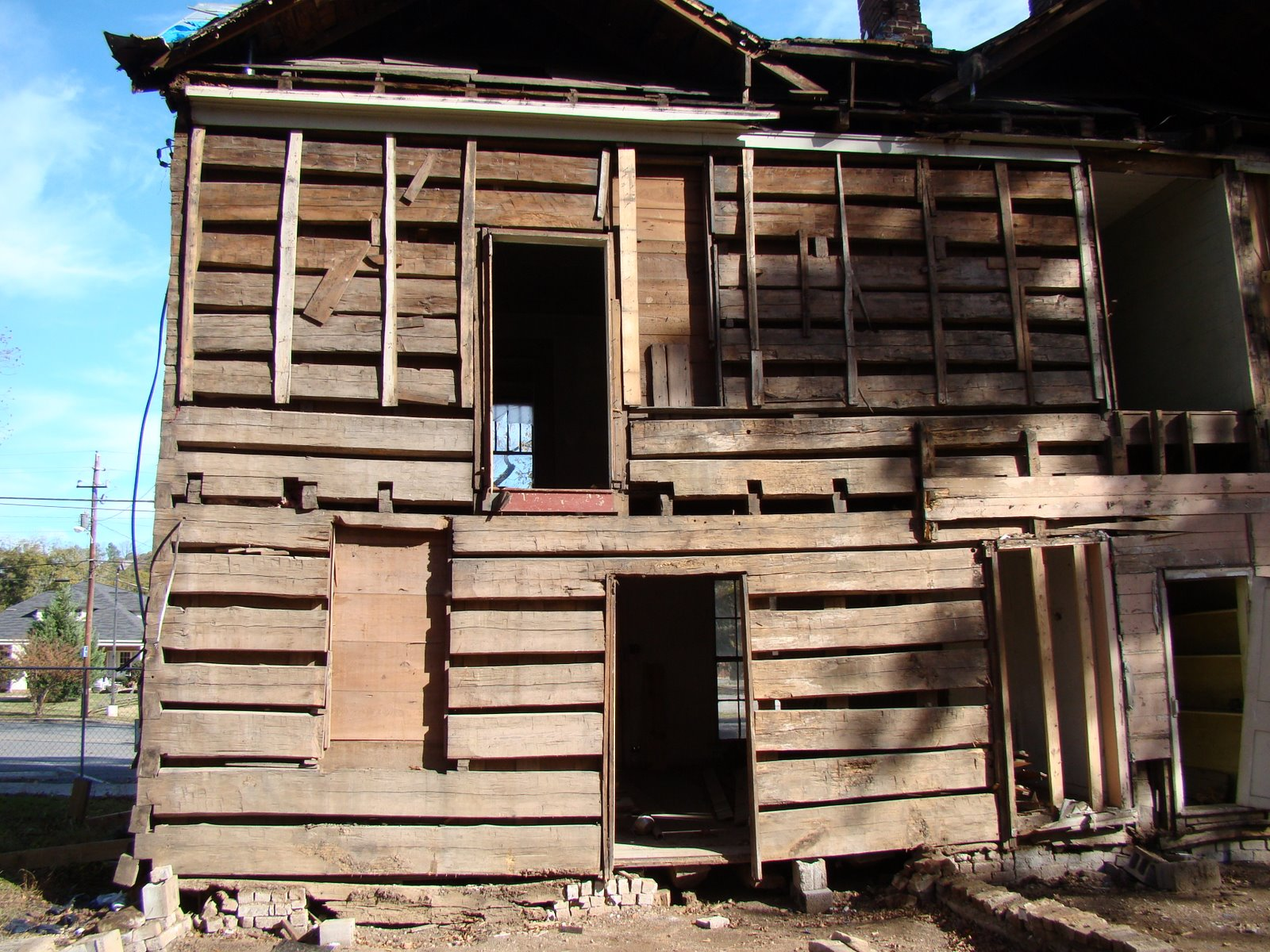 History of the vann cabin more pictures of the two story for Three story log cabin