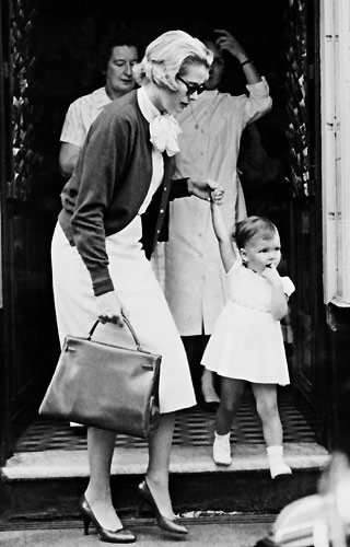 grace kelly dresses. Grace Kelly and her bag